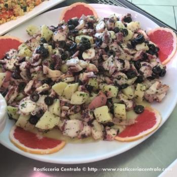 Insalata di piovra, patate, olive