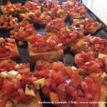 Bruschette con mozzarella e pomodoro